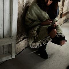 IIDA pocket shawl