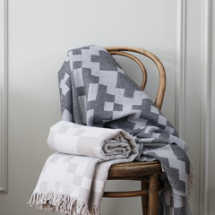 Lapuan Kankurit HUVILA blanket grey-black  and beige-grey
