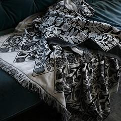 KUKAT blanket/tablecloth white-black