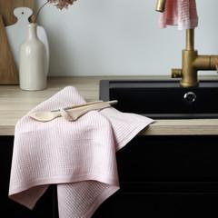 Lapuan Kankurit Kumpu towel by Helmi Liikanen