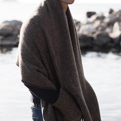 MARIA pocket shawl brown-black