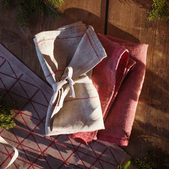 COLOMBINA runner linen-red