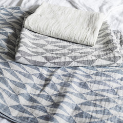 TRIANO blankets white-linen, white-black and white-blueberry