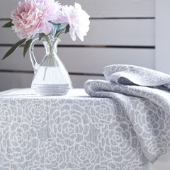 ZINNIA runner white-grey