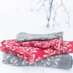 MISTELI blankets and hot water bottle grey-white and red-white