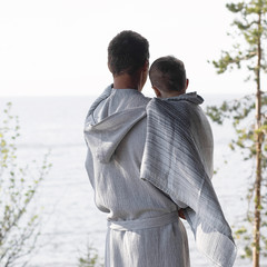 Terva bathrobe with hood white-grey