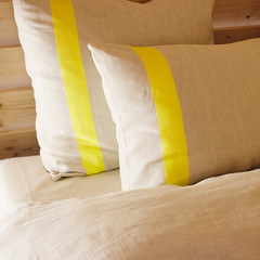USVA pillow case linen-yellow